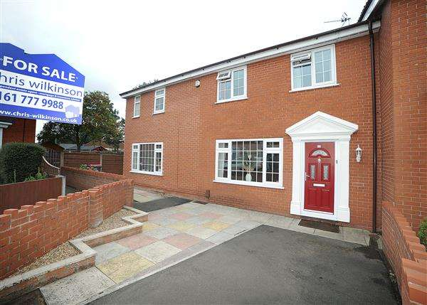 4 Bedrooms Town House for sale in 40 Falmouth Road, Irlam M44 6EJ
