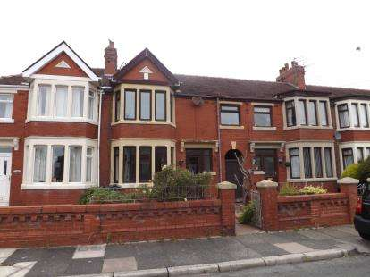 3 Bedrooms Terraced House for sale in Lonsdale Avenue, Fleetwood, Lancashire, United Kingdom, FY7