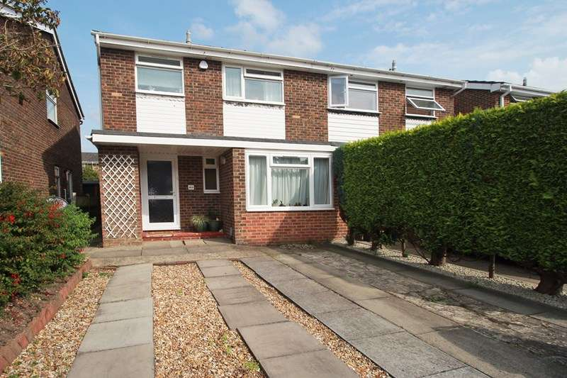 3 Bedrooms Property for sale in Priory View Road, Burton, Christchurch