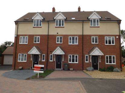 4 Bedrooms Terraced House for sale in Wickford, Essex