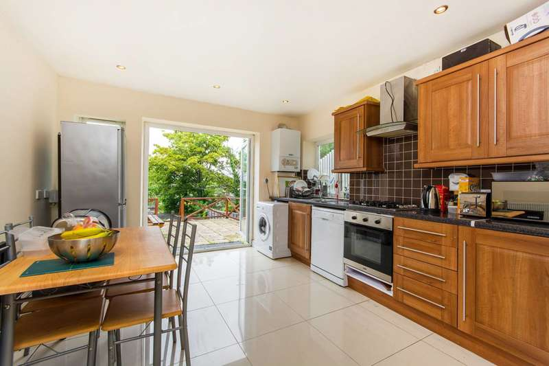 3 Bedrooms Flat for sale in Broxholm Road, West Norwood, SE27