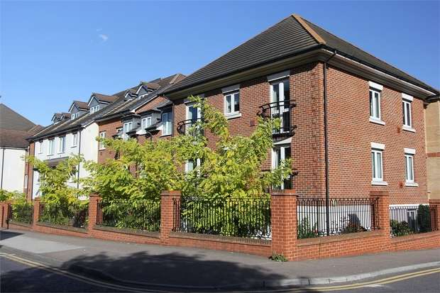 2 Bedrooms Retirement Property for sale in Bell Road, Sittingbourne, Kent