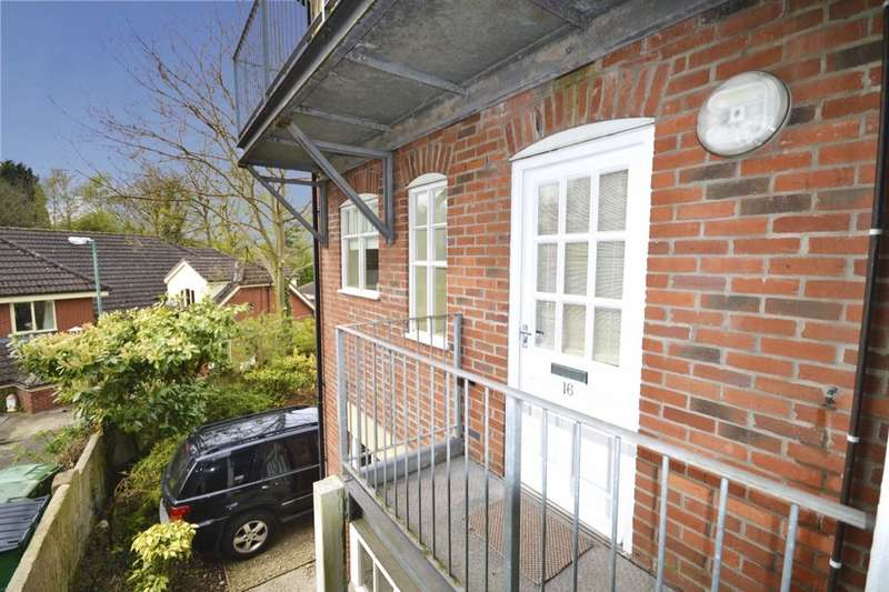 1 Bedroom Flat for sale in The Sycamores, Woodville, Swadlincote, DE11