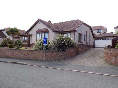 3 Bedrooms Bungalow for sale in Bryn Colwyn, Old Colwyn, Conwy, LL29
