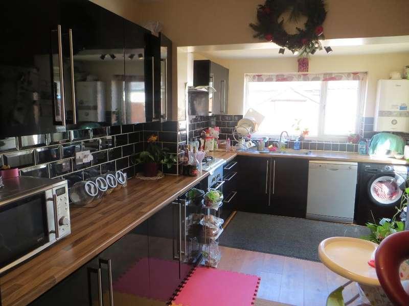 3 Bedrooms Terraced House for sale in Blenheim Street, Hull, East Yorkshire, HU5 3PN