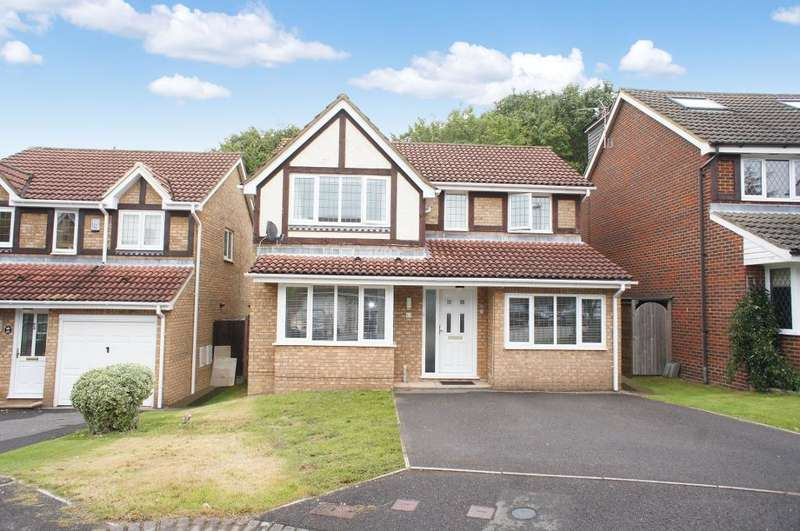 4 Bedrooms Detached House for sale in The Crofts, Hatch Warren, Basingstoke, RG22 4RE