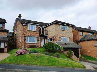 5 Bedrooms Detached House for sale in The Risings, New Mills, High Peak, Derbyshire