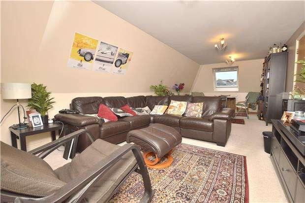 2 Bedrooms Flat for sale in Wellington Street, CHELTENHAM, Gloucestershire, GL50 1XY