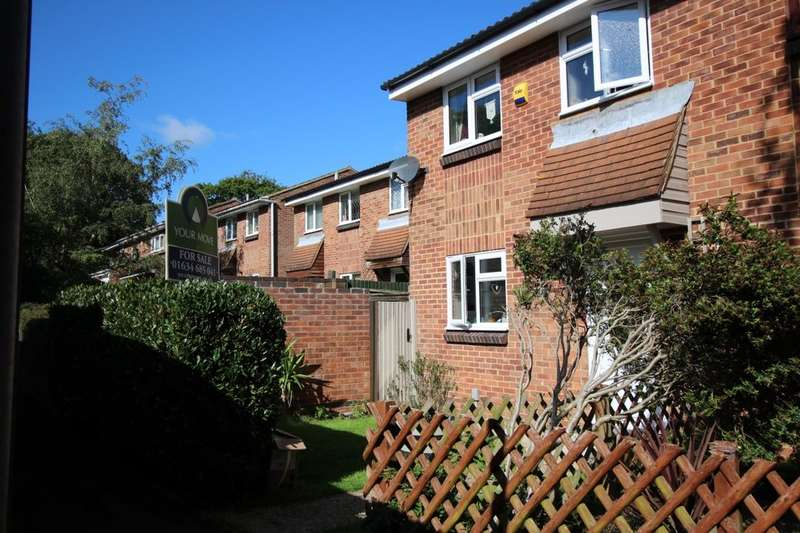 3 Bedrooms Semi Detached House for sale in Valley Rise, Walderslade Woods, Chatham, ME5