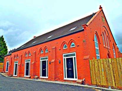 2 Bedrooms Mews House for sale in Maes Cana, St. Albans Road, Tanyfron, Wrexham, LL11