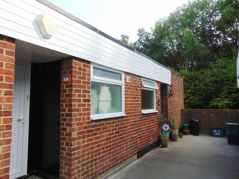 2 Bedrooms Maisonette Flat for sale in Cascades, Court Wood Lane, Croydon, CR0 9HZ