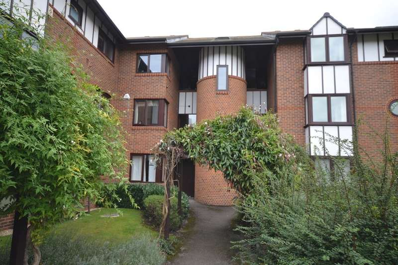 3 Bedrooms Apartment Flat for rent in Reading