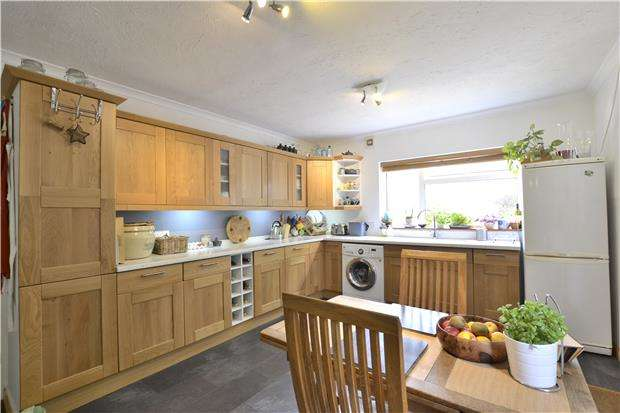 4 Bedrooms Detached House for sale in Green Street, Brockworth, GLOUCESTER, GL3 4LU