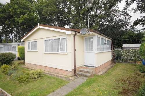 2 Bedrooms Park Home Mobile Home for sale in St Leonards Farm Park, West Moors
