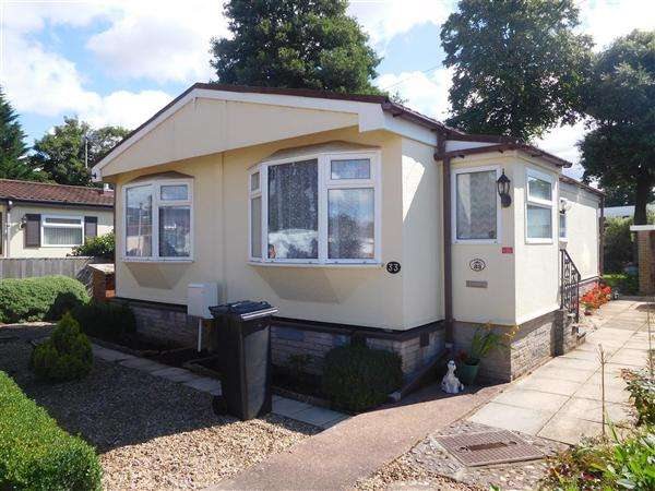 3 Bedrooms Detached House for sale in First Avenue, Newport Park, Exeter