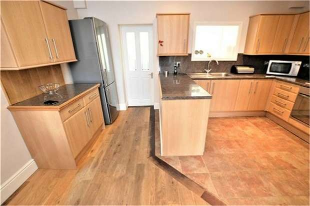 2 Bedrooms End Of Terrace House for sale in Northway Road, Croydon
