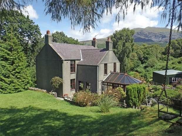 3 Bedrooms Detached House for sale in Llanberis, Llanberis, Caernarfon, Gwynedd