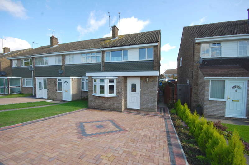 3 Bedrooms End Of Terrace House for sale in Firecrest Road, Tile Kiln, Chelmsford, CM2