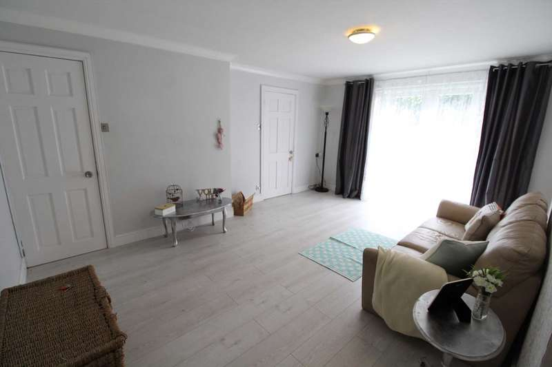 2 Bedrooms Apartment Flat for sale in Heath View, Kellbrook Crescent, Salford
