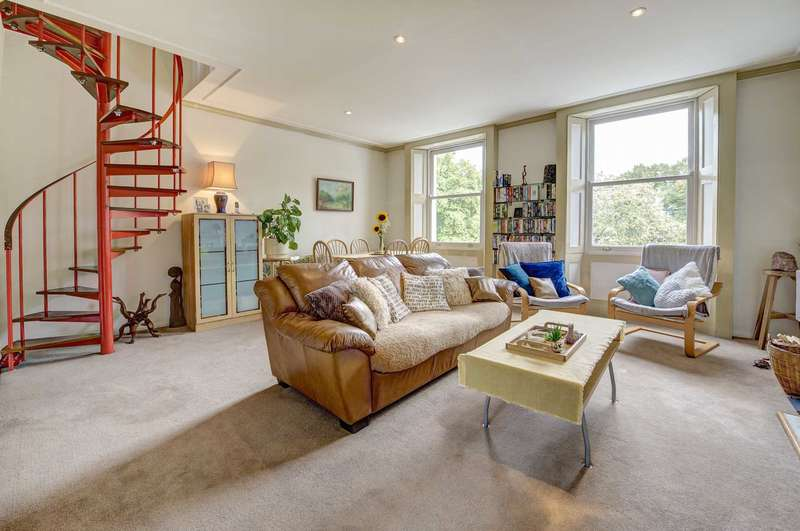3 Bedrooms Apartment Flat for sale in Royal Crescent, London