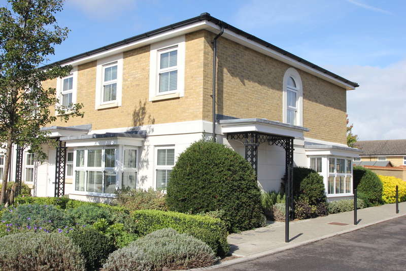 3 Bedrooms End Of Terrace House for sale in Vallings Place , Long Ditton