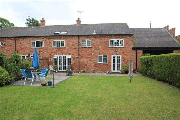 4 Bedrooms Barn Conversion Character Property for sale in Middle Barn, Old Stafford Road, Slade Heath