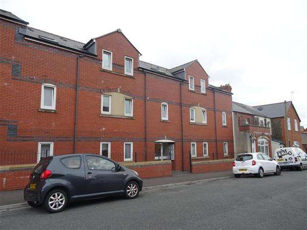 4 Bedrooms Apartment Flat for rent in Gwennyth House, Cardiff