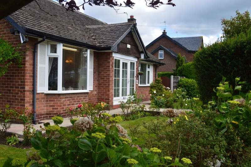 2 Bedrooms Detached Bungalow for sale in St. Johns Road, Hazel Grove, Stockport, SK7