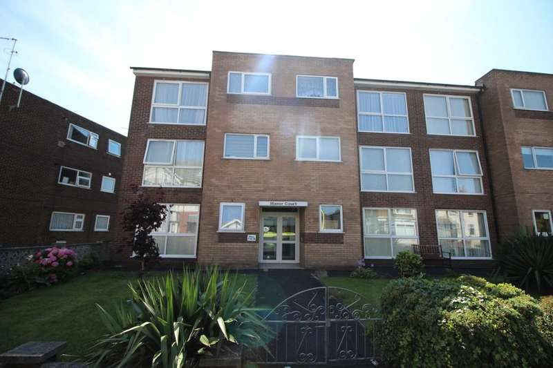 2 Bedrooms Flat for sale in Hawes Side Lane, Blackpool, FY4