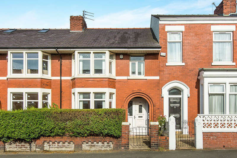 3 Bedrooms Terraced House for sale in St. Pauls Road, Preston, PR1