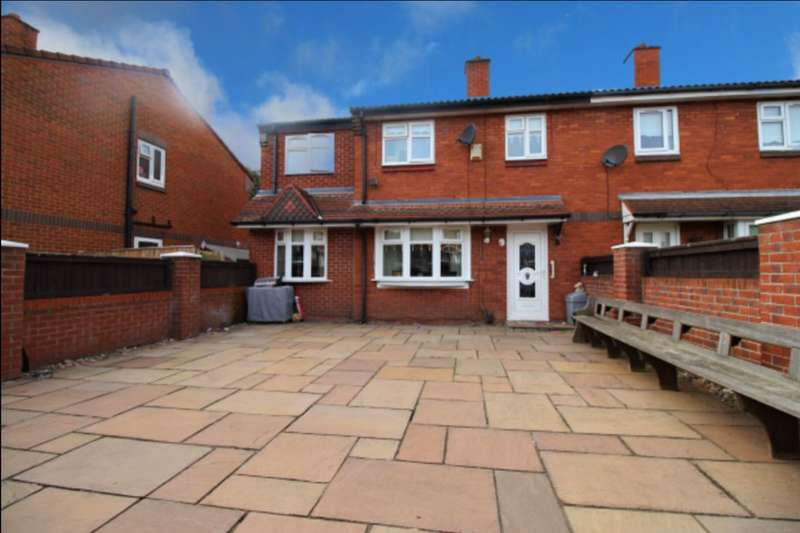 4 Bedrooms Semi Detached House for sale in Benton Close, Liverpool, L5