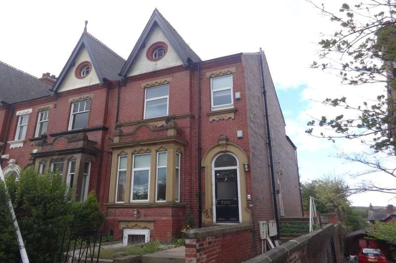 3 Bedrooms Flat for sale in Bradford Road, Wakefield, WF1