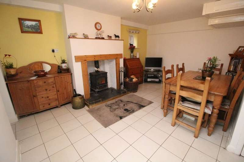 5 Bedrooms Terraced House for sale in Stonegate, Hunmanby, Filey, YO14