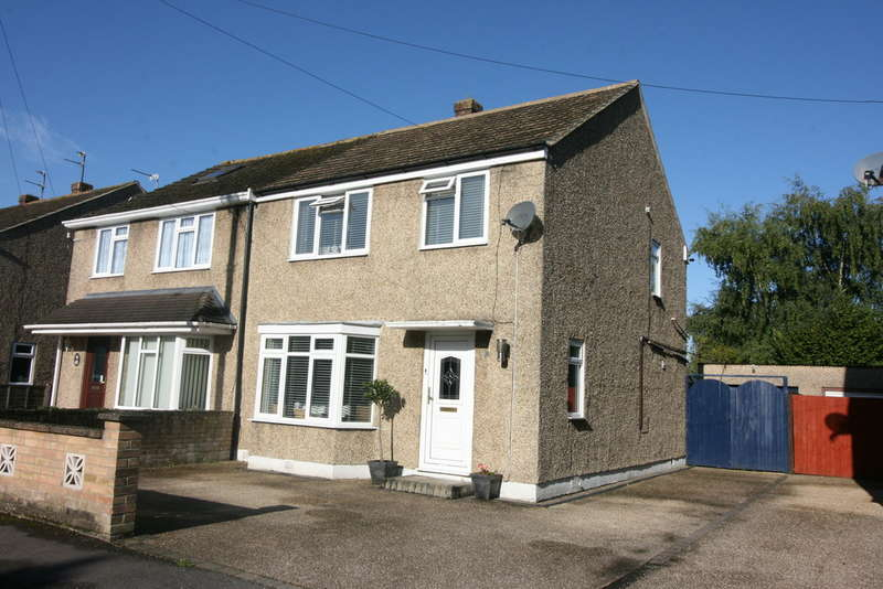 3 Bedrooms Semi Detached House for sale in Edinburgh Drive, Kidlington