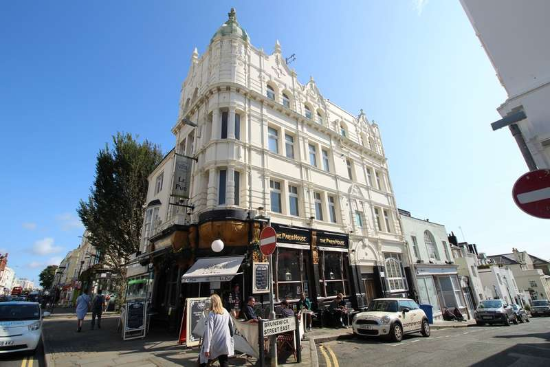 2 Bedrooms Flat for sale in Western Road, Hove, BN3 1AE