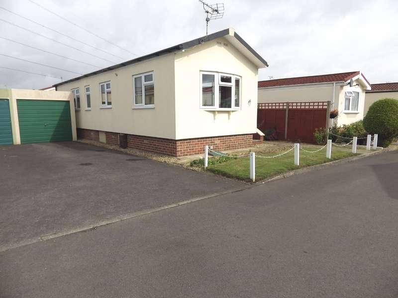 2 Bedrooms Bungalow for sale in Primrose Way