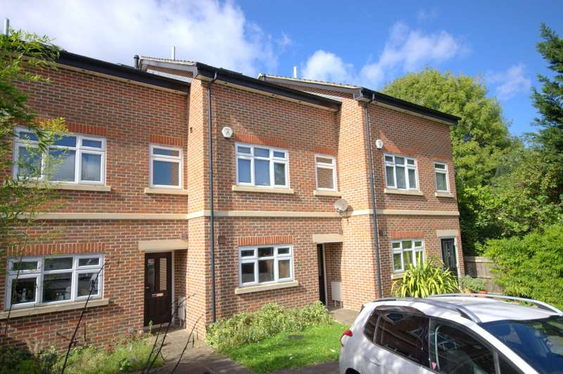 3 Bedrooms Town House for sale in New Malden