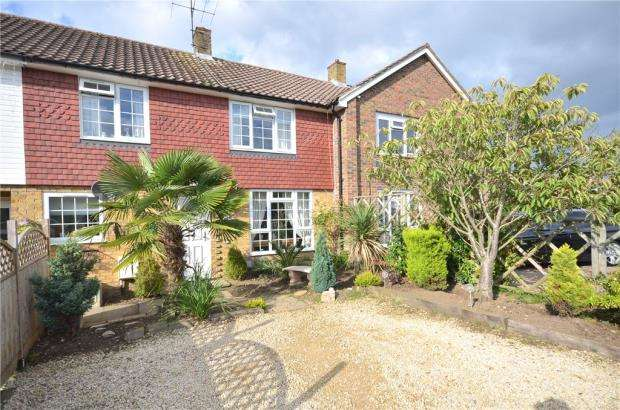 3 Bedrooms Terraced House for sale in Anneforde Place, Bracknell, Berkshire
