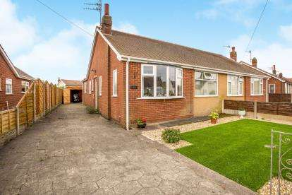 2 Bedrooms Bungalow for sale in Northumberland Avenue, Thornton-Cleveleys, Lancashire, ., FY5
