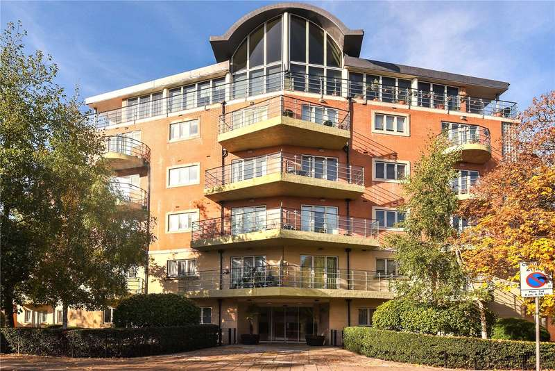2 Bedrooms Apartment Flat for sale in The Thomas More Building, Ickenham Road, Ruislip, HA4