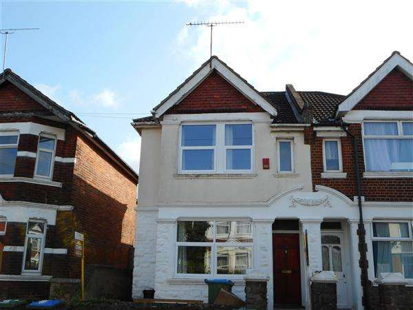 6 Bedrooms Semi Detached House for rent in Harborough Road, Southampton