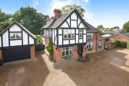 6 Bedrooms Detached House for sale in Mada Road, Locksbottom