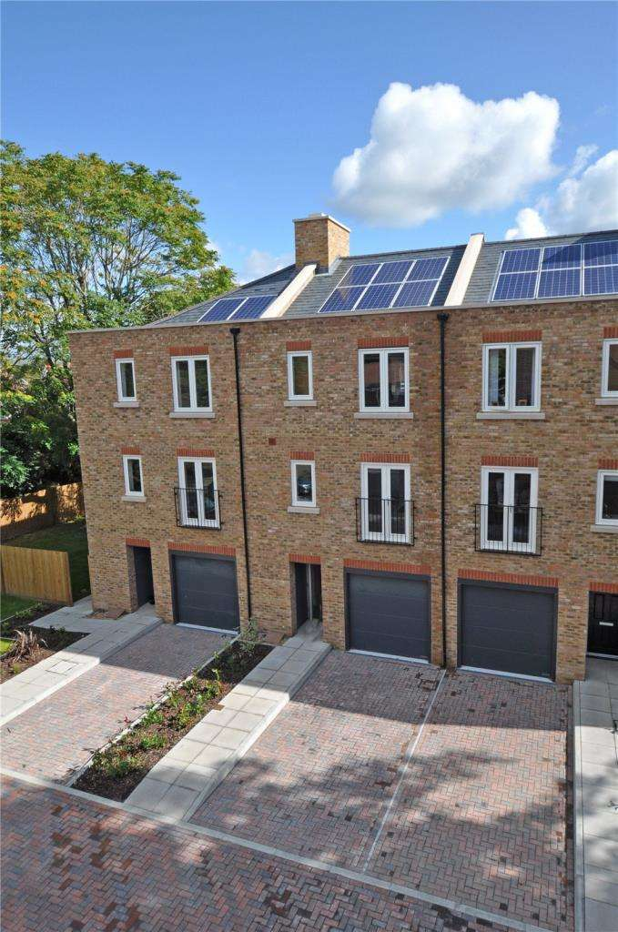 3 Bedrooms Mews House for sale in King William Close, The Broadway, Chichester, West Sussex, PO19