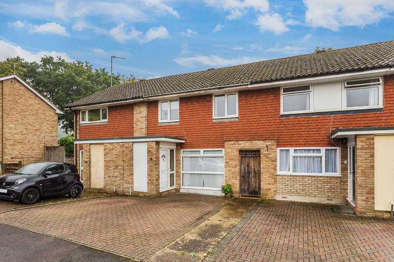 3 Bedrooms Terraced House for sale in Home Park, Oxted