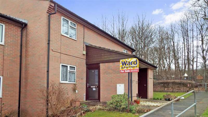 1 Bedroom Ground Maisonette Flat for sale in Sultan Road, Lords Wood, Chatham, Kent