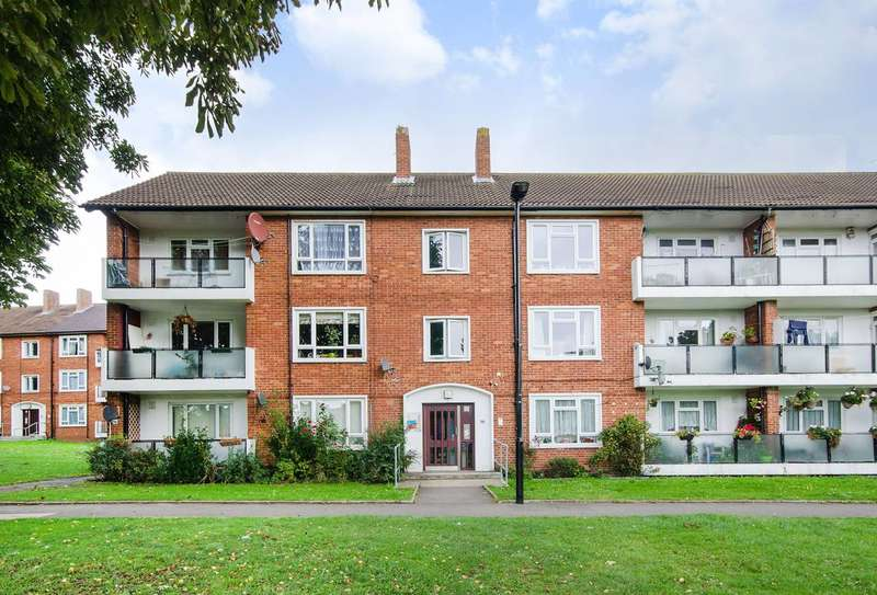 2 Bedrooms Flat for sale in Dabbs Hill Lane, Northolt, UB5