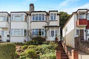 3 Bedrooms Semi Detached House for sale in Kenmore Road, Kenley, Surrey