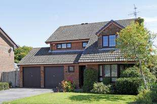 4 Bedrooms Detached House for sale in Whytings, Mannings Heath, Horsham, West Sussex
