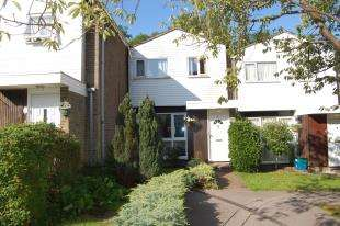 3 Bedrooms Terraced House for sale in Blueberry Gardens, Coulsdon, Surrey