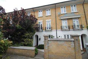 4 Bedrooms Terraced House for sale in Courtenay Avenue, Sutton, Surrey